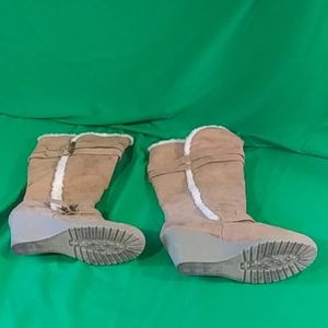 Old navy sz 9 brown platform boots with buckle